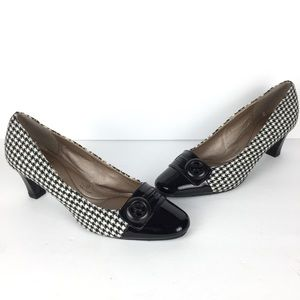 Soft style hush puppies houndstooth cap toe loafer